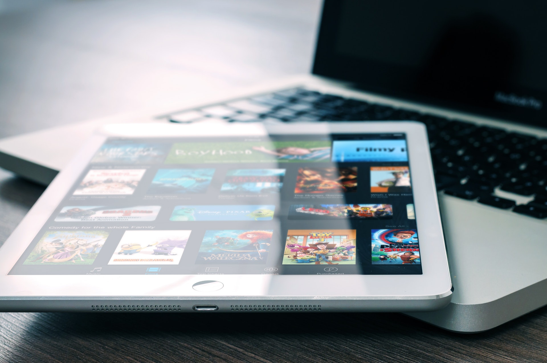 Netflix and the Disruptive Innovation of Entertainment