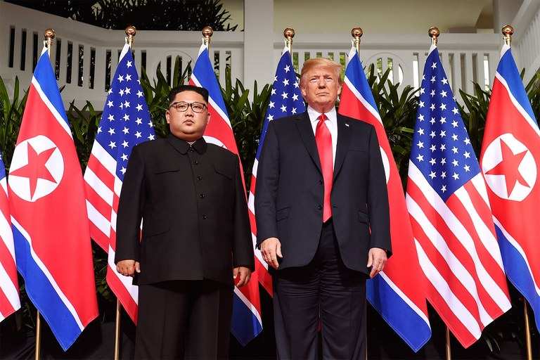 Trump and Kim Jong Un : The Power of Touch